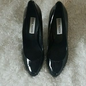 "Steve Madden black 4"" heels size 6"